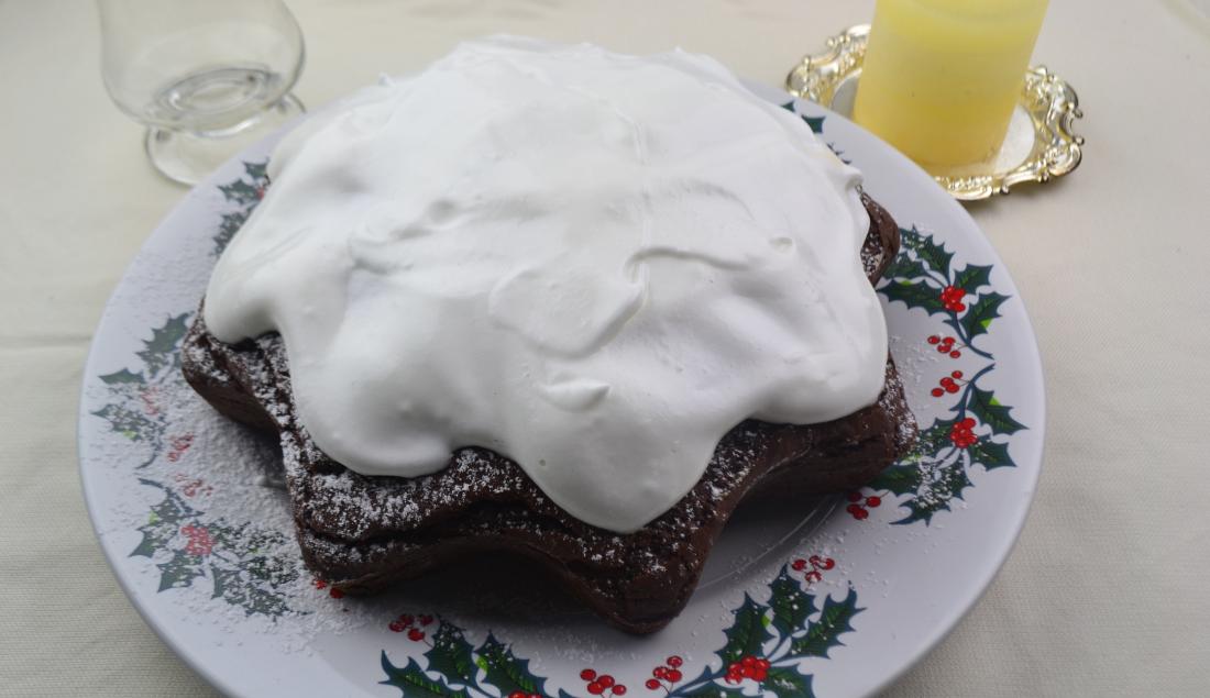 Torta stella di Natale al cacao