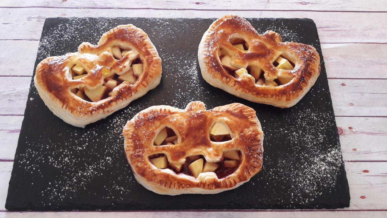 Fagottini di halloween alle mele e succo di bergamotto