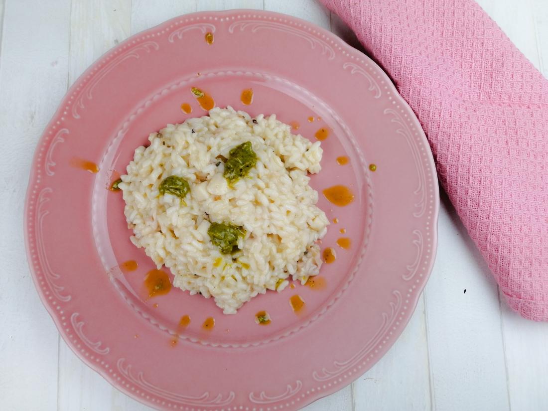 Risotto con capesante e pesto di pistacchi