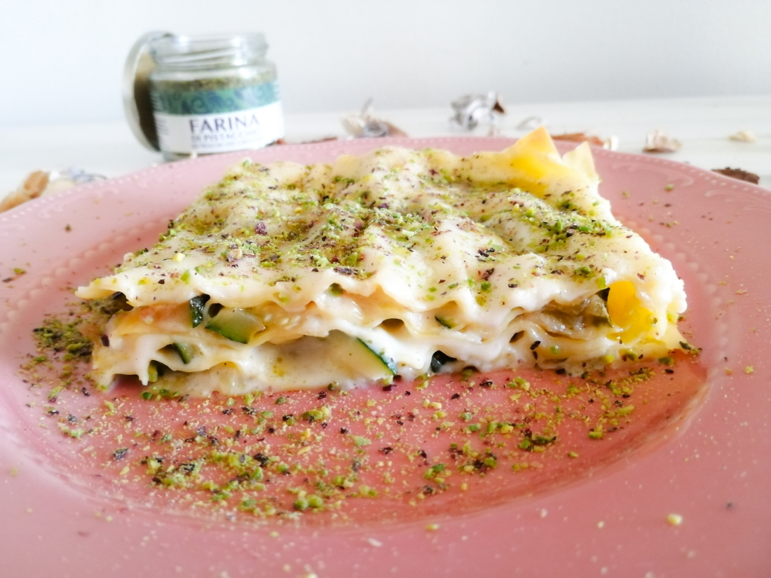 Lasagne alle zucchine, burrata e farina di pistacchi