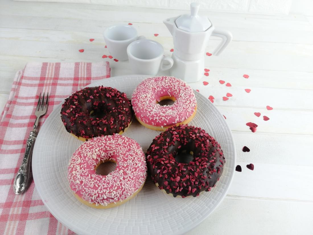 Donuts alla confettura di frutti di bosco