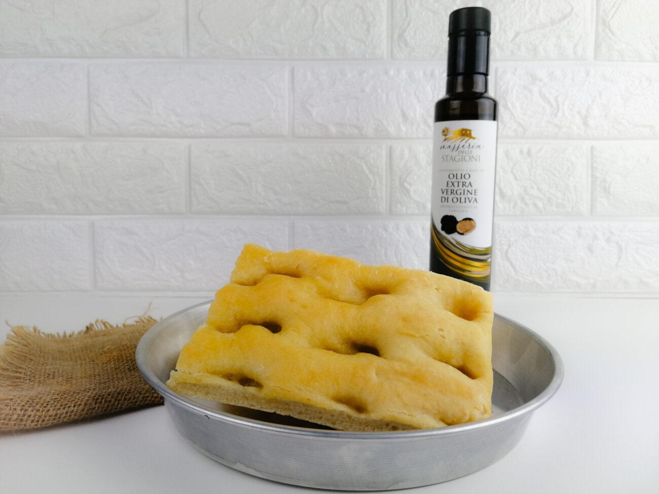 Focaccia con olio extravergine di oliva al tartufo